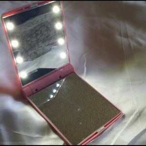 Other - 🦄Brand new LED lighted compact mirror🦄